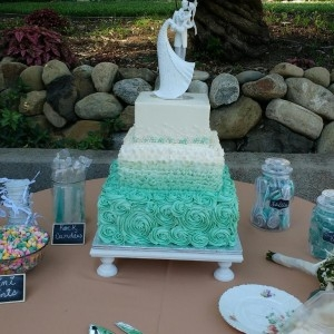 Loved Ones with a Customized Cake
