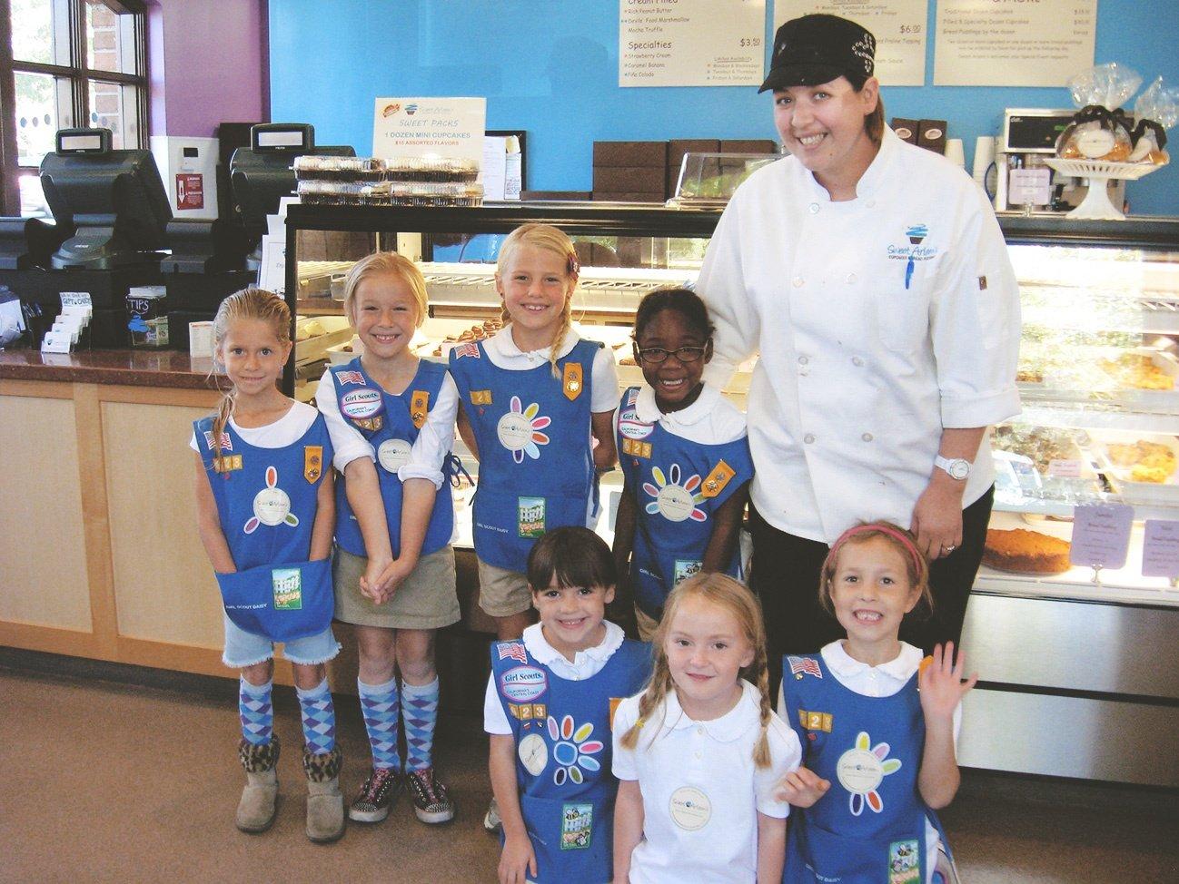 Kids Deco Party in Sweet arleens bakery shop