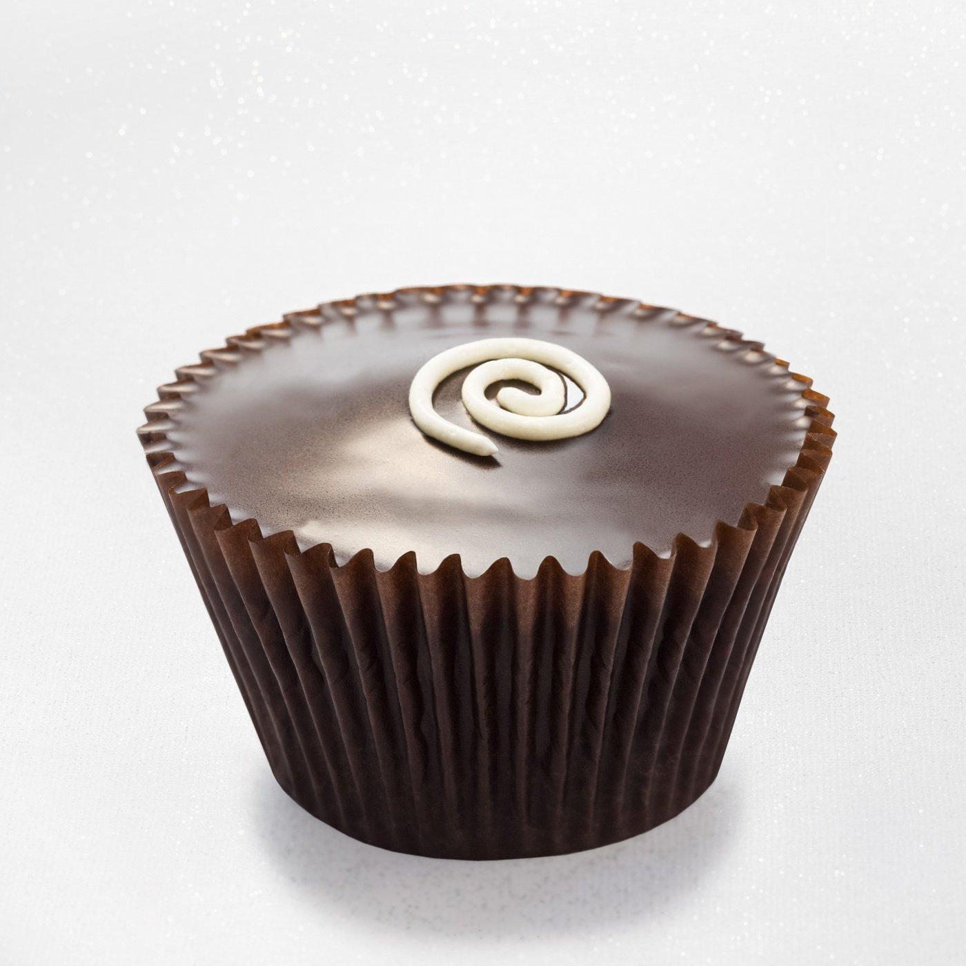 Boston cream pie - vanilla cupcake with Bavarian mousse